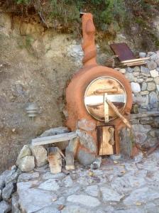 Oliedrum oven van natuurlijke en gerecyclede materialen
